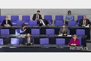 """메르켈 총리, """"독일 정부는 WHO 전적으로 신임"""""""