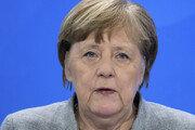 """메르켈, 성급한 경제 재개에 우려…""""아직 위기 벗어나지 않아"""""""