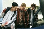 """'사냥의 시간' 엇갈린 반응…""""캐릭터의 개연성 부족"""" vs """"재미있는 심리 스릴러"""""""