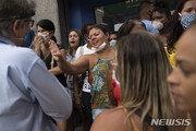 사망자 1만명 넘었는데 제트스키 즐긴 브라질 대통령
