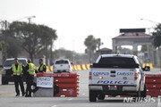 美 텍사스해군기지 총격사건으로 봉쇄…용의자 피살