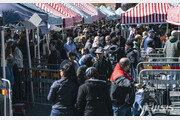 죽어도 '집단 면역' 선택한 스웨덴, 코로나 사망자 4000명 넘어