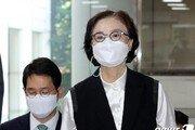 """'직원 상습폭행' 이명희 2심…檢 """"징역 2년6월 선고해달라"""""""