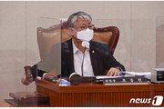 """""""조응천, 檢스럽다, 琴따라 가라""""… '尹배제가 검찰개혁이냐' 비판 후 몰매"""