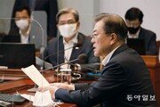 '대통령의 10시간'과 청와대의 한 줄 답변[청와대 풍향계/황형준]
