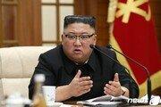 김정은, 한손엔 核…한 손은 바이든과 악수? [우아한 전문가 발언대]