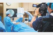 [클릭! 의료기관 탐방]다리 저리고 허리 아픈 '척추관협착증'… 수술 없이 근본 원인 치료