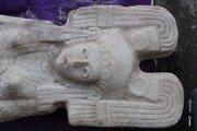 밭 갈다 튀어나온 모서리…정체는 '500년 된 여신상'