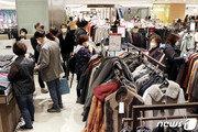 코로나 '쓴맛' 본 패션업계, 올해 '온라인'서 탈출구 찾는다