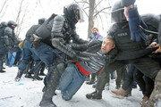 '나발니 석방' 요구 시위대 진압하는 러 경찰