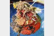 [식객 이윤화의 오늘 뭐 먹지?]메밀국수에 한우육회… '내 땅 음식'의 맛깔난 조화