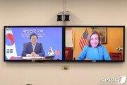 """펠로시 美하원의장 """"북한 문제, 한국 관점 존중하는 것이 중요해"""""""