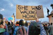 """[글로벌 이슈/신수정]""""밤에도 혼자 걷고 싶다""""… 폭력에 저항하는 여성들"""