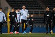한국, 전반 26분 만에…일본에 2골 허용 [축구 한일전]
