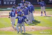 '홈런 2방' 토론토, 양키스 제압…개막 3연전 위닝시리즈