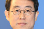 [천광암 칼럼]바이든 때린 시진핑, 시진핑 띄운 文 대통령