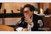"""조영남 """"윤여정 수상 축하…바람 피운 남자에 멋진 한방"""""""