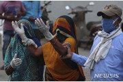 '코로나 지옥' 된 인도, 하루 사망자 수 3000명 넘어
