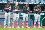 미국 어머니날 '핑크 유니폼' 유방암 근절 캠페인