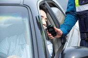 음주측정기 들고 경찰인 척…음주운전자 돈 뜯어낸 30대 징역 8개월