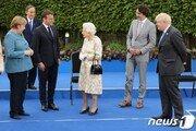 스가, G7 회의서 혼자 덩그러니…日서 비판과 동정 동시에