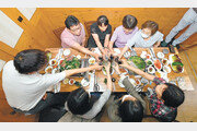 부산, 21일부터 식당-술집 영업제한 해제… 광주는 8인모임 허용