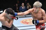 '스팅' 최승우, 에로사에 화끈한 TKO 승…UFC 3연승 질주