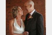 결혼 사실 까먹은 알츠하이머 남성, 아내에 다시 프러포즈 '뭉클'