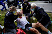 '투르 드 프랑스' 첫날 20여명 부상 사고