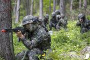 """軍, 전국적 폭염에 """"낮 시간엔 야외 활동·훈련 피하라"""" 지침"""