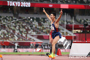우상혁, 일냈다…남자 높이뛰기 4위·2m35 한국 신기록