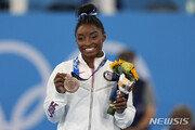 바일스, 女체조 역대 올림픽·세계선수권 최다메달 타이기록