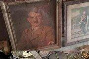홍수 피해로 집수리하던 중…벽 속에 히틀러 초상화가?