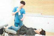 """[클릭! 의료기관 탐방]척추디스크 50대 주부 """"한방통합치료 받고 허리 펴고 삽니다"""""""