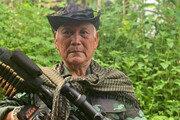 """총 든 79세 미얀마 의원 """"반군부 무장투쟁"""""""
