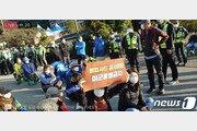 """성주 사드기지 물자 반입 재개…경찰 """"강제연행"""" 발언에 주민 반발"""