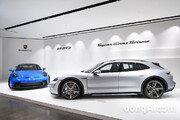 """미리 만나본 포르쉐 '극과 극' 신차 2종… """"타이칸 왜건 보러 갔다가 911 GT3에 반했다"""""""