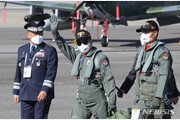 FA-50타고 아덱스 참석한 文…세계 7대 항공우주 강국 천명