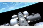 베이조스, 10년 내 상업용 우주 정거장 발사 목표…우주 사업 박차