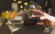 와인 마신 다음날, 숙취를 예방하는 현실적인 방법 6가지