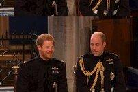 '로열웨딩' 해리왕자, 형 윌리엄과 담소...긴장감 역력