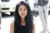 """김부선, '이재명 스캔들 의혹' 진술 거부 """"떠난 딸 이미소…다 잃었다"""""""