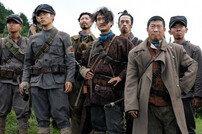 [DA:박스] '봉오동전투' 3일 연속 1위, 좀비 같은 '알라딘' 4위