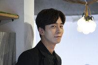 """[인터뷰] '퍼퓸' 신성록 """"첫 로코, 악역과 다른 맛"""""""