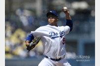 "LA 타임즈 ""류현진, 무결점 활약…다저스 전설들보다 낮은 ERA"""