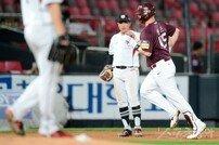 [포토] 샌즈, 정성곤 상대로 시즌 26호 홈런