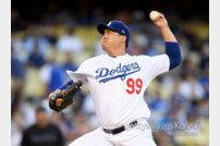 '첫 홈런' 류현진, 7이닝 3실점 '시즌 13승'… ERA 2.41