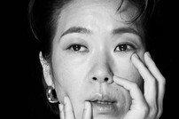 """'동백꽃 필 무렵' 염혜란 """"작고 소소한 이야기 좋아해"""" [화보]"""