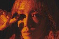 태연 정규 2집 타이틀곡 '불티', 강렬한 멜로디+풍성한 보컬