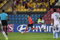 [U-17 월드컵] '한 번씩 골대 강타' 김정수 호, 멕시코와 8강전 전반 0-0